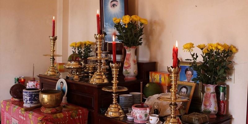 Tổng hợp những mẫu Đèn bàn thờ gia tiên đẹp nhất,tốt nhất