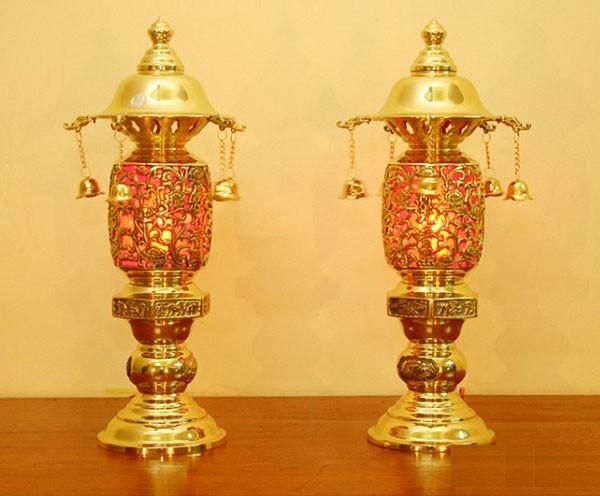 đèn bàn thờ tổ tiên