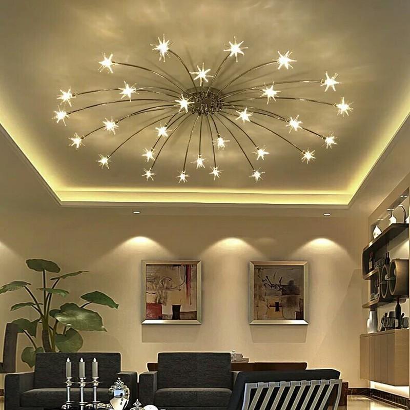 Đèn chùm phòng khách nhỏ trang trí không gian đẹp ấn tượng