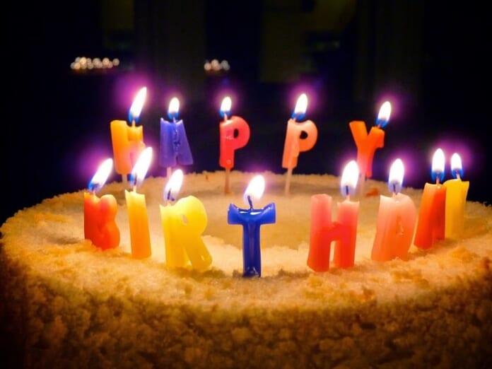 nến sinh nhật theo chữ rất tuyệt vời