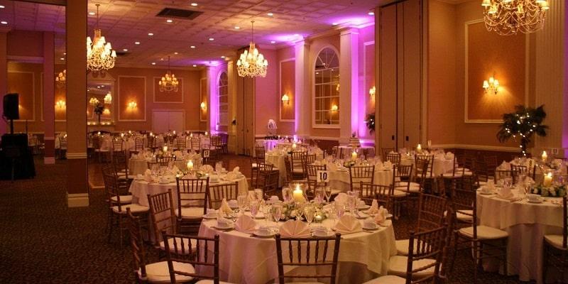 những cây nến điện tử trang trí cho phòng đám cưới đẹp